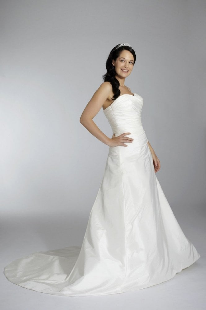 Tiffanys Elizabeth Strapless Wedding Gown with train in Ivory