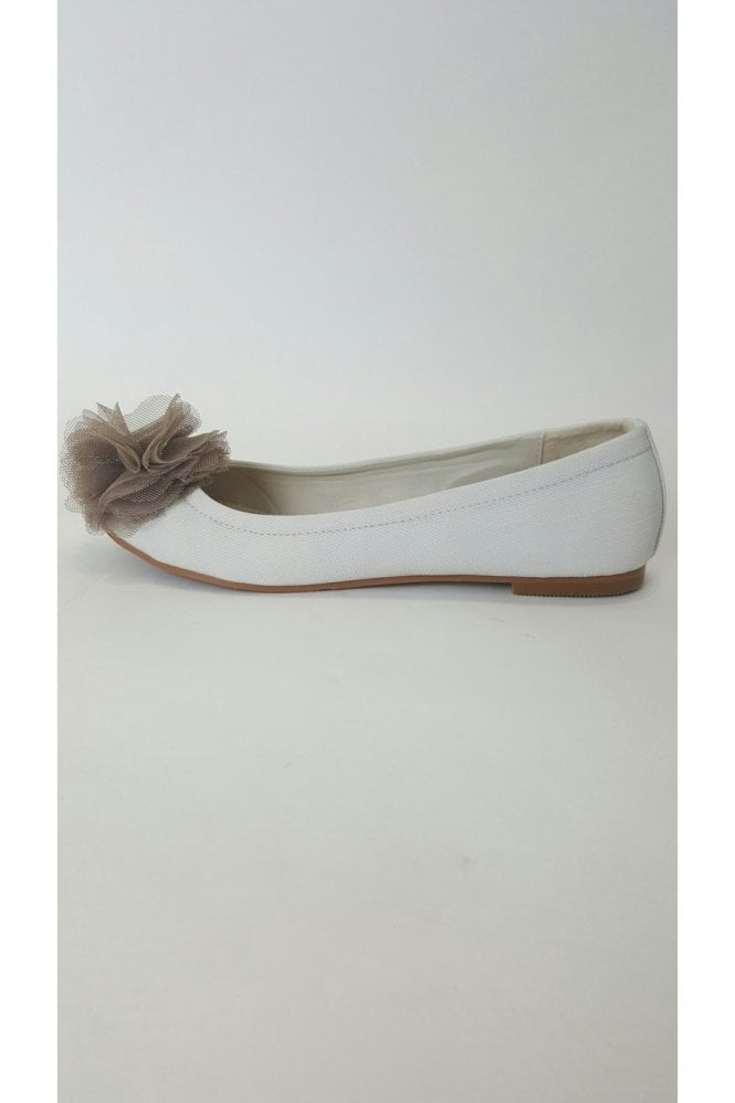 Verdon VT Collection Traffic People Beige Flower Trim Ballet Flat Shoes
